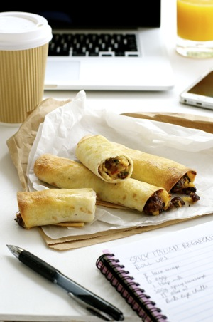 Spicy Italian Breakfast Roll Ups_300px