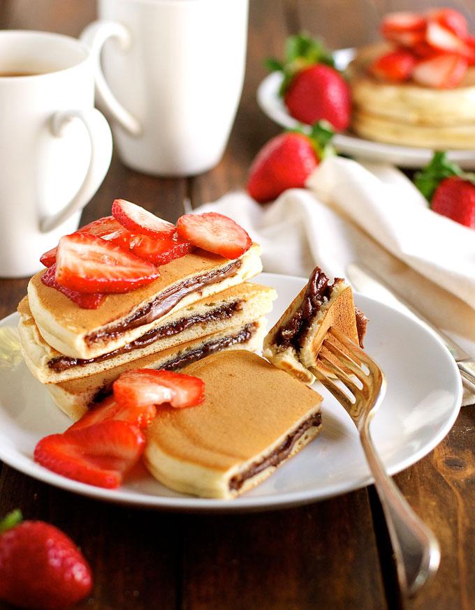 Nutella-Stuffed-Pancakes_680px_4