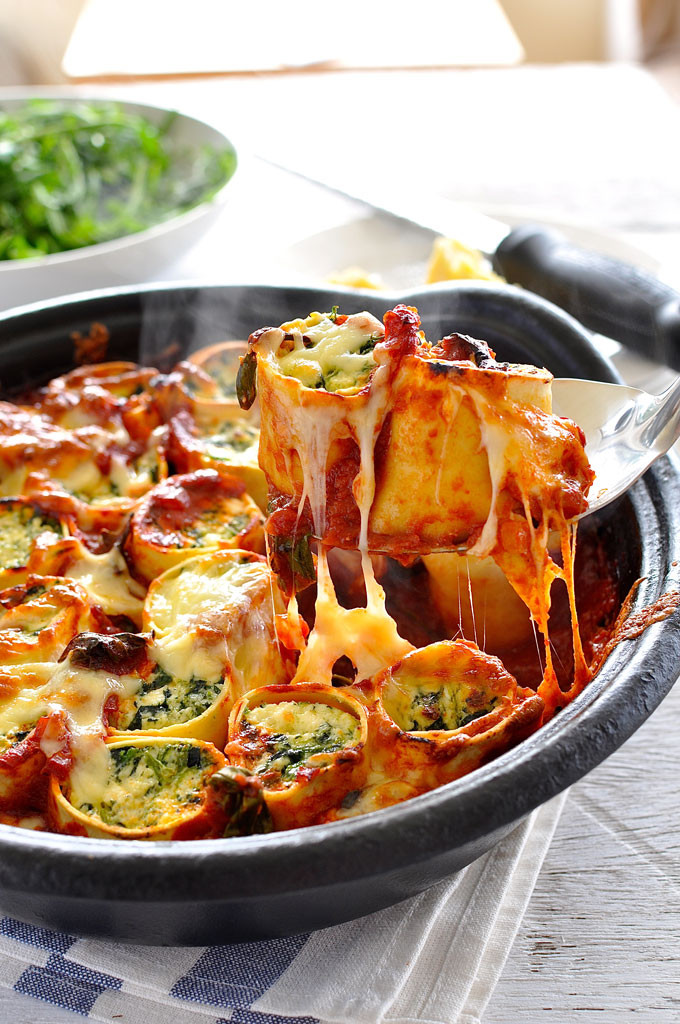 Baked-Spinach-Ricotta-Rotolo-1_680px