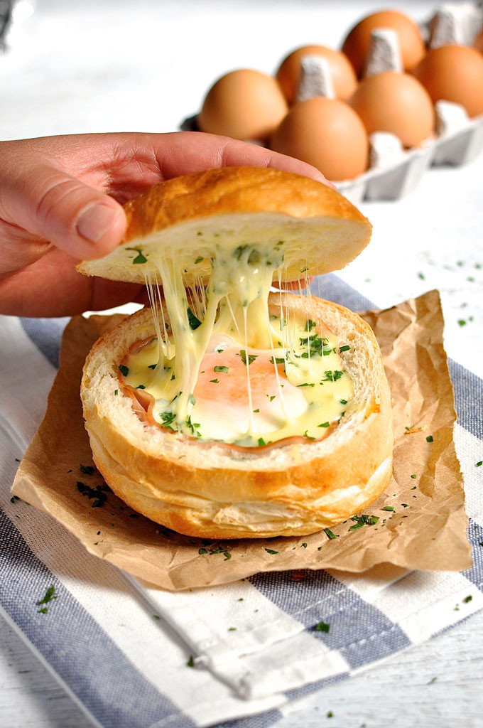 No-Washing-Up-Ham-Egg-Cheese-Bread-Bowl-1_680px